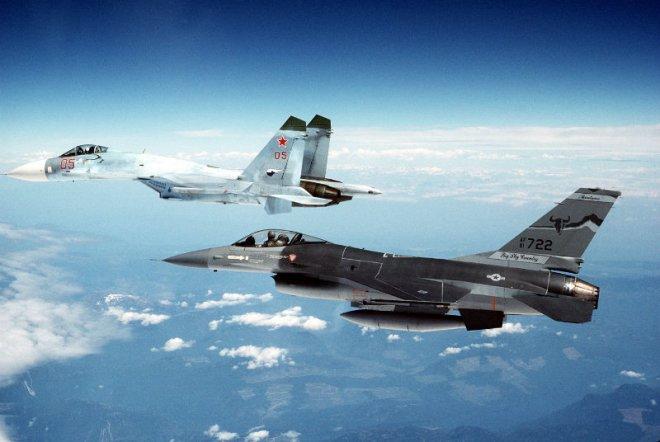 Истребители Су-27 победили американские F-15 в ходе учений на Украине