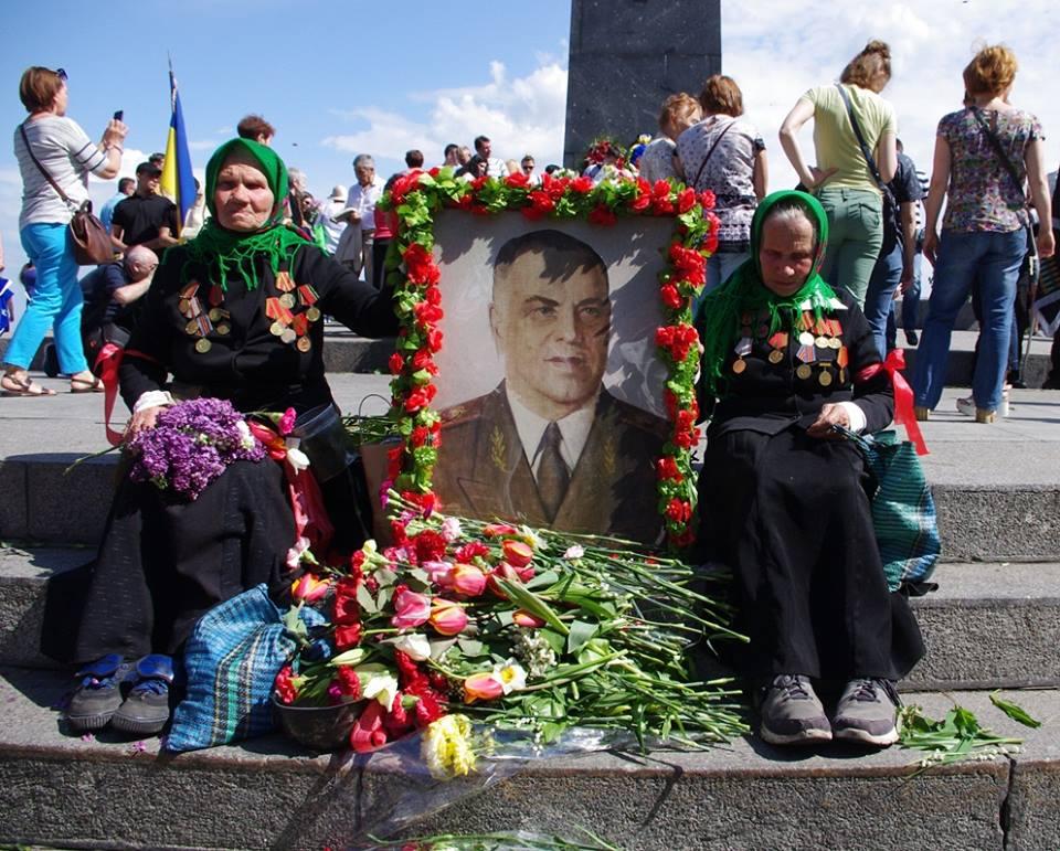 В оккупированном фашистами Киеве количество полицаев, бандеровцев тоже превышало число подпольщиков