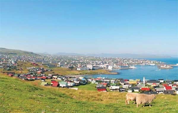Как живут люди в суровом облачном краю — на Фарерских островах (Спойлер: у них всего 3 светофора)