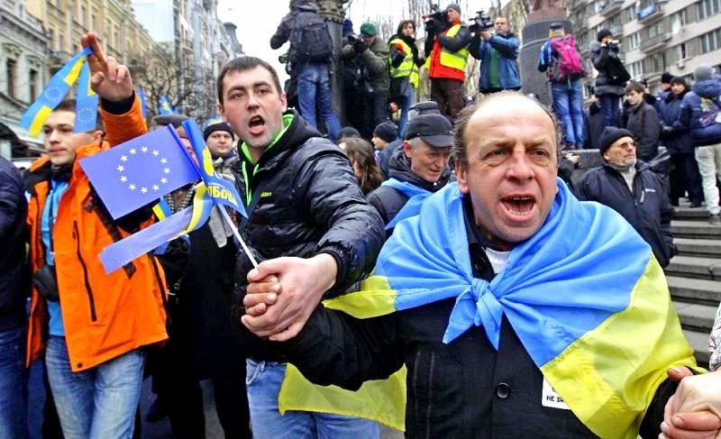 Европа - России: Кружевные трусики в обмен на кровь русских