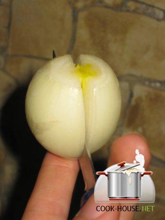 Украшение блюд. Лилия из лука
