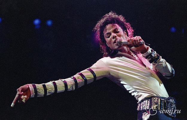 Фанаты вновь встретились с воскрешённым Майклом Джексоном