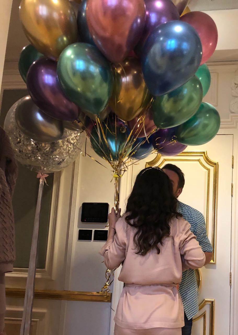 Викторию Дайнеко засняли целующейся с новым женихом