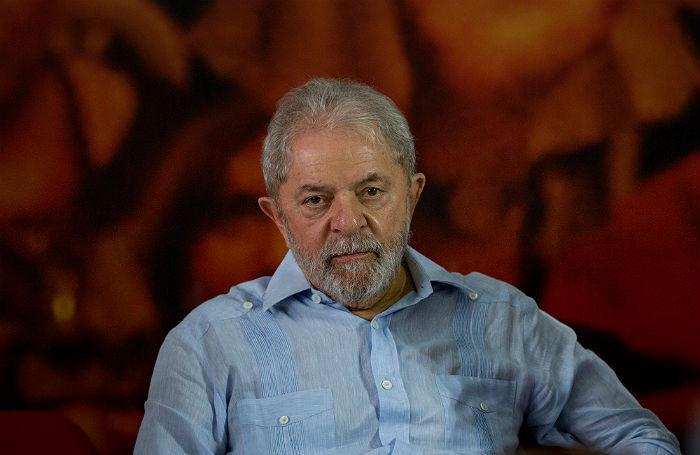 Комментатор в законе. Экс-президент Бразилии будет освещать матчи из тюрьмы