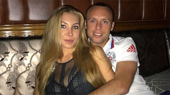 Жена Глушакова устала от его проституток