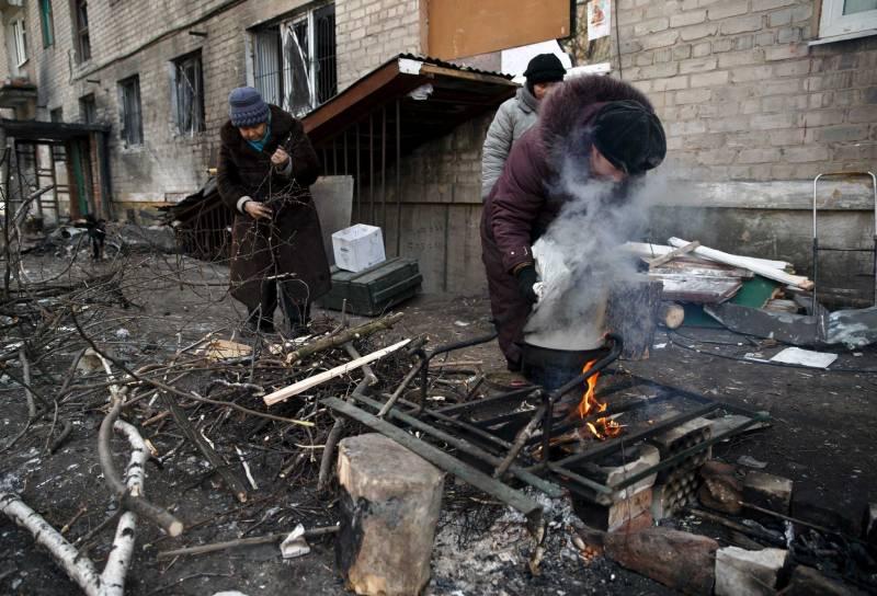 """Сделайте их жизнь невыносимой: США советуют «устроить революцию» на Донбассе"""""""