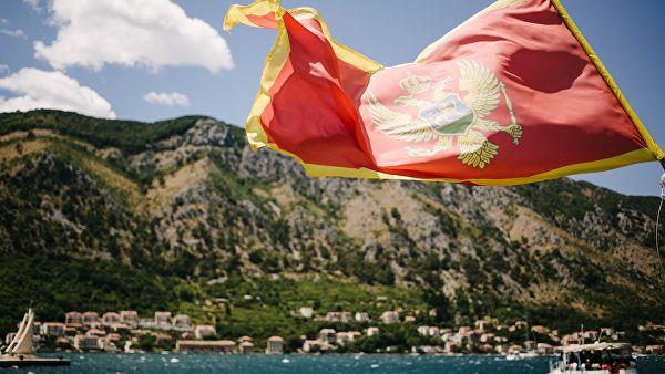 В Черногории проходит протест оппозиции в желтых жилетах