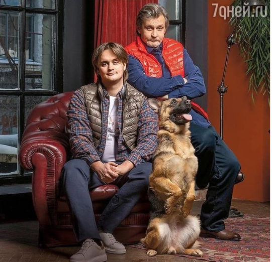 Сын Домогарова оказался очень сильно похож на своего отца
