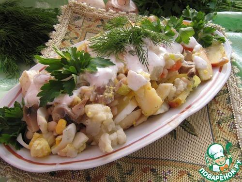 Салат из фасоли и цветной капусты с шампиньонами