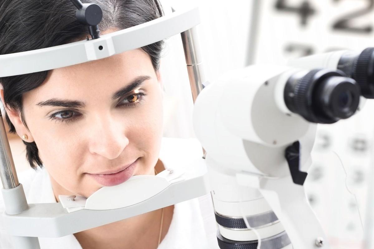 Как лечить астигматизм глаз в домашних условиях