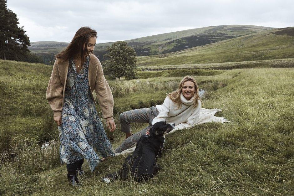 Романтика в английском стиле: 11 луков H&M х Morris&Co с осенними принтами