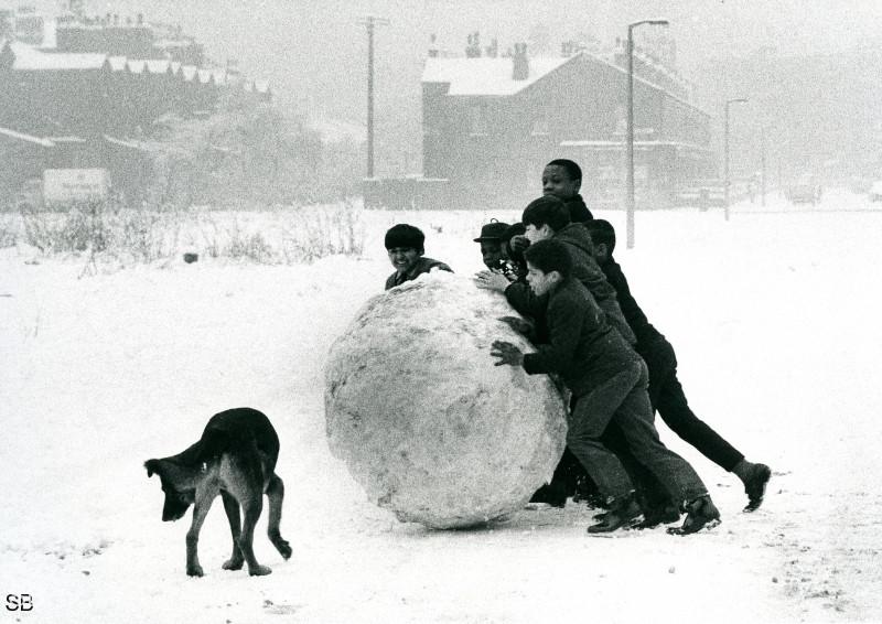 Обаяние трущоб Манчестера в фотографиях Ширли Бейкер 1960-х годов 28