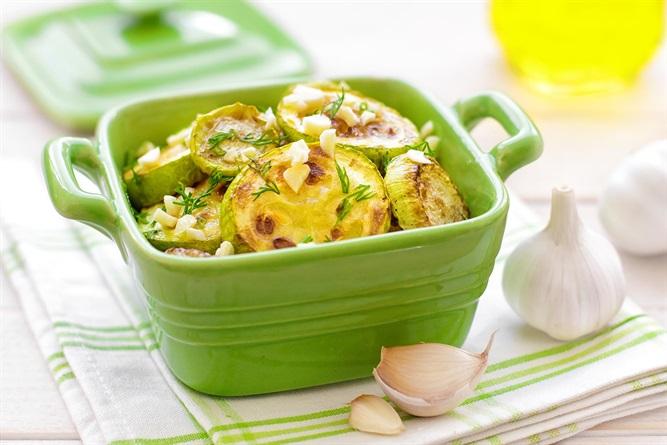 Блюдо дня — Жареные кабачки с плавленым сырком и чесночным соусом