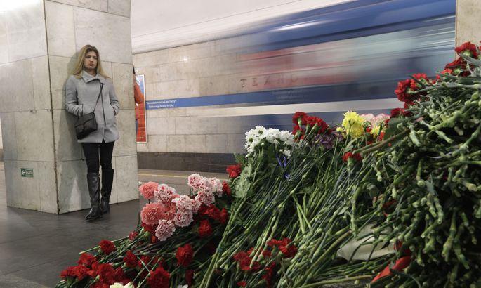 Депутат-идиот поздравил выжившую с годовщиной питерского теракта