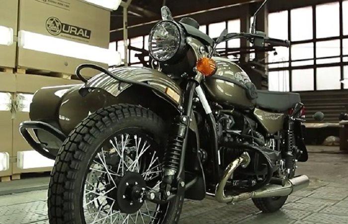 «Урал» сделал новый мотоцикл с бутылкой водки в «базе»