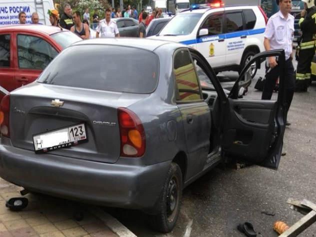 Сочинский таксист признался почему протаранил пешеходов