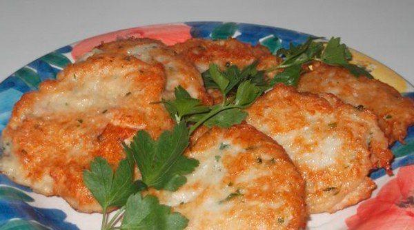 Сытные и очень вкусные картофельно-куриные оладьи