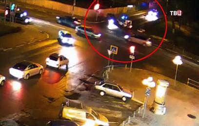 Пьяный водитель протаранил машину полиции, уходя от погони в Подмосковье