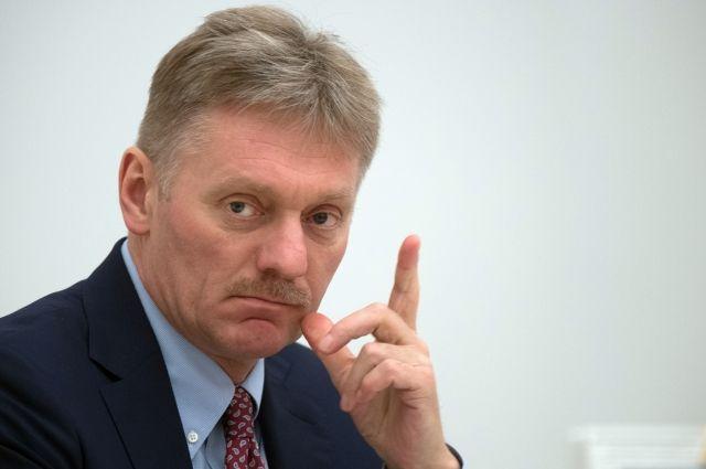 Песков рассказал о непубличных контактах Путина и Порошенко
