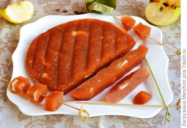 Яблочный сыр из Антоновки. Один недостаток - мгновенно заканчивается
