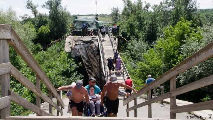 Киев нашел новый предлог для срыва восстановления мосту у Станицы Луганской