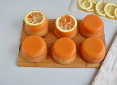 Ароматные лимонные пирожные.