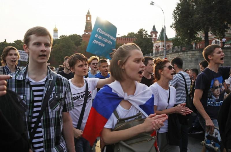 Молодые россияне не видят смысла в том, чтобы отдавать свои деньги государству