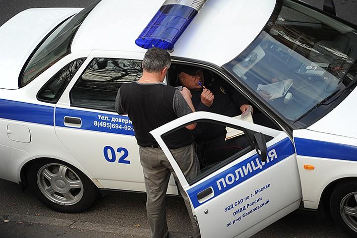 В центре Москвы вооруженные грабители в масках вынесли из офиса 10 млн рублей