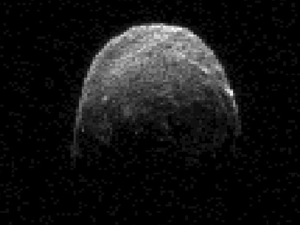 Фото и видеонаблюдения астероида 2005YU55