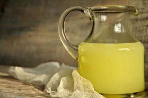 Молочная сыворотка.<br /> <br /> Молочная сыворотка - это побочный продукт, который получается при приготовлении сыра или творога.