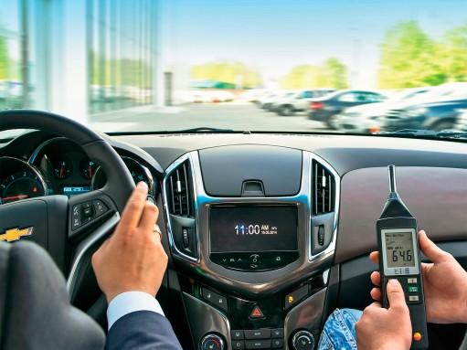 Боремся с шумом в салоне автомобиля: бациллы децибелов