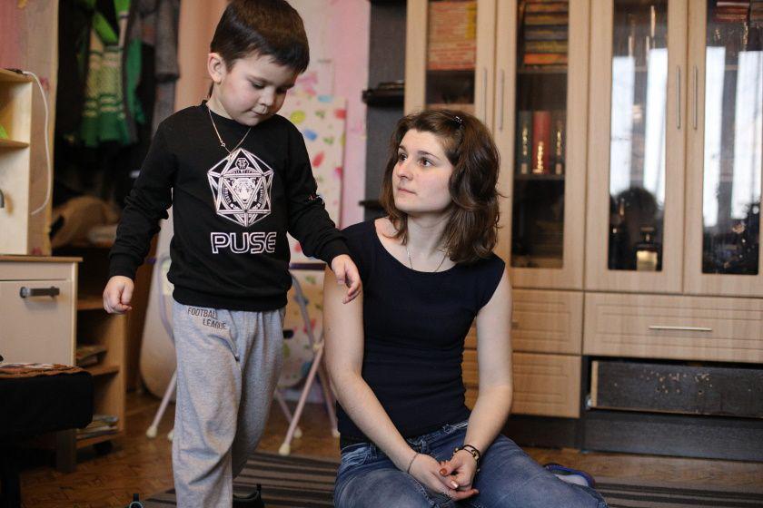 Истории мам особенных детей: «Мой сын с аутизмом научился ждать и реагировать на свое имя»