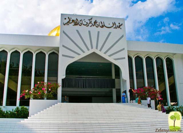 """Красивейшая мечеть """"Великой Пятницы"""" в Мале — исламский центр на Мальдивах - 3"""