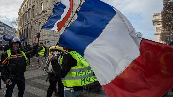 Меркель прокомментировала акции «жёлтых жилетов» во Франции