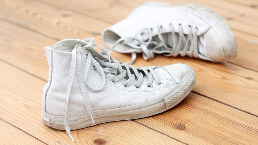 Отбеливаем обувь