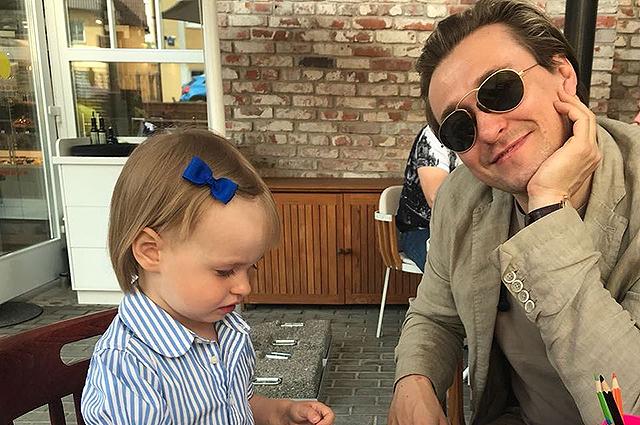 Сергей Безруков показал трогательное видео со своей младшей дочерью Марией