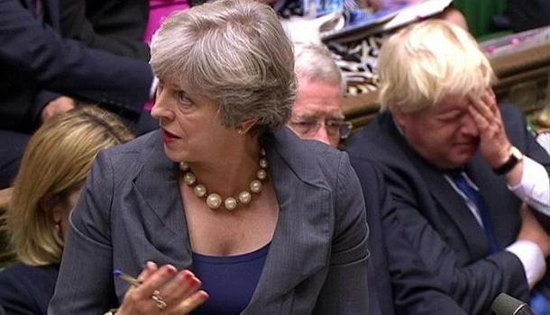 Мэй вызвала своей речью приступы хохота депутатов