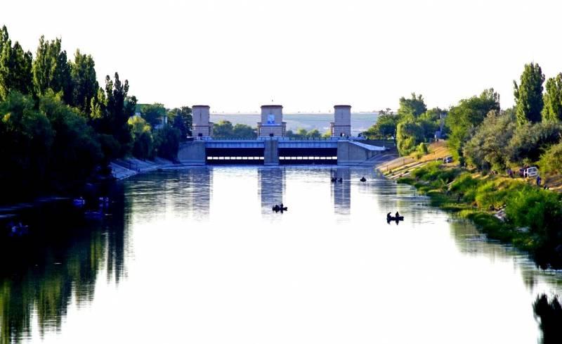 Киев: Зальём Крым водой из Днепра!
