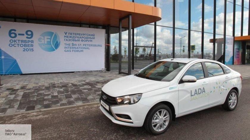 Впервые с 2016 года резко упали продажи Lada Vesta