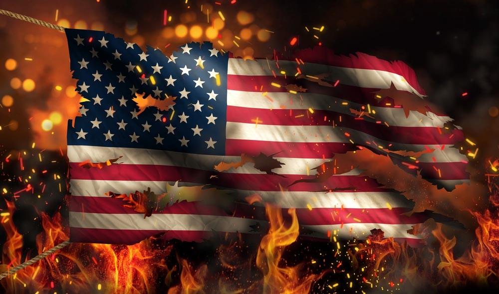 «США, пошли прочь!» — тысячи…