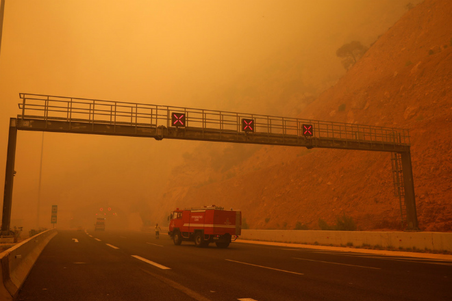 Выжженная земля: беспилотник снял последствия жутких пожаров в Греции