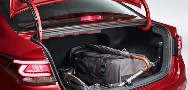 Как открыть багажник, если заклинил замок