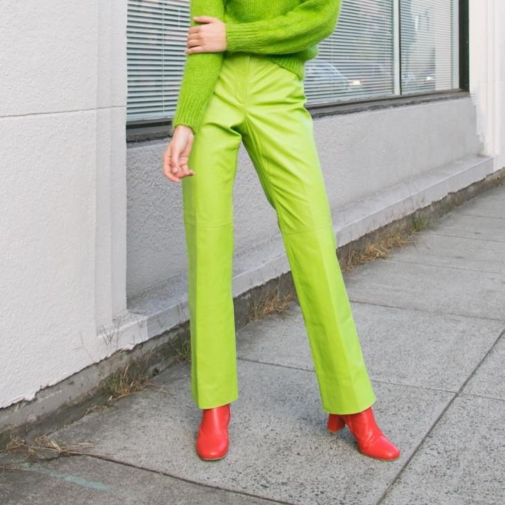 неоновый цвет - модный тренд 2018 - брюки