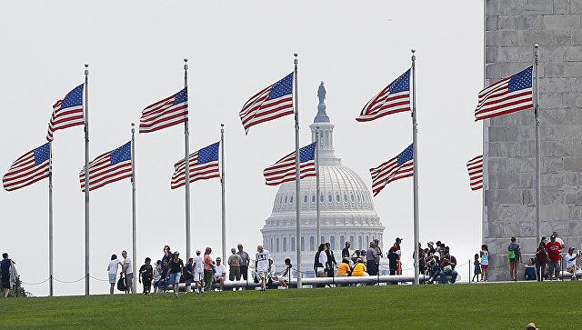 Новые запреты: гражданам восьми стран ограничили въезд в США