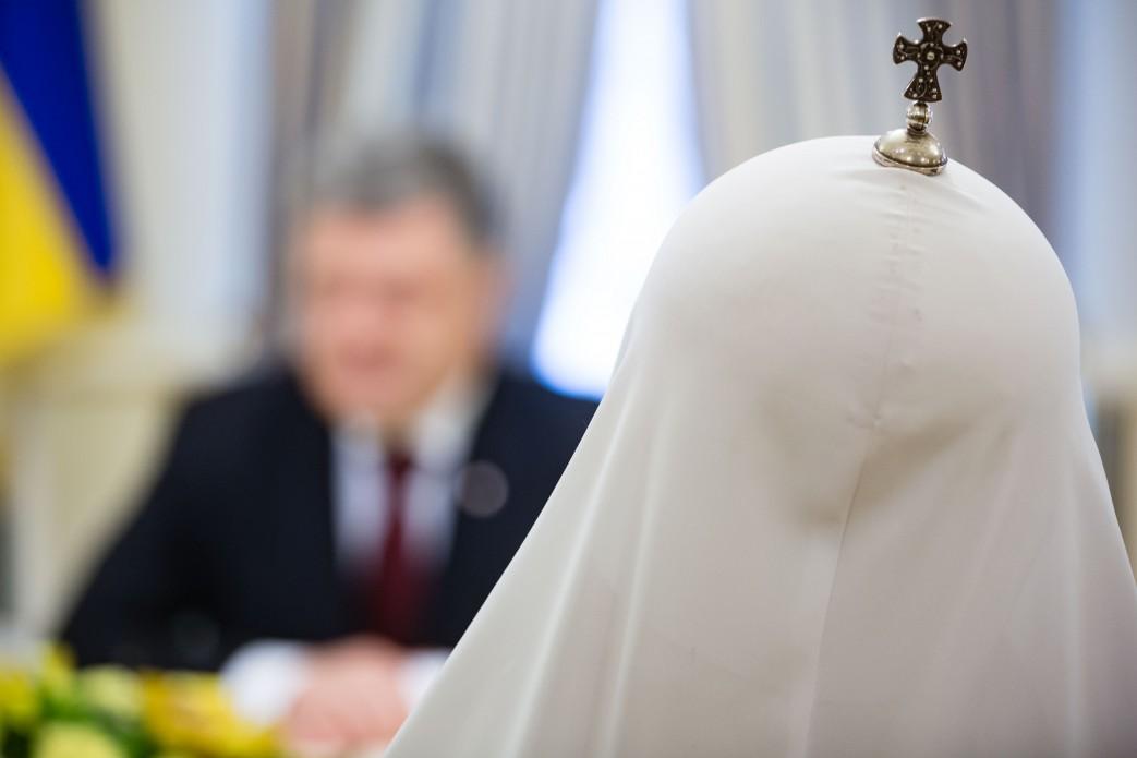 «Церковный майдан» и «священ…