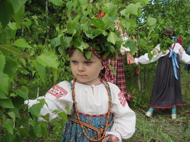 http://tver.rastemvrossii.ru/sites/default/files/Tver/creative/matiza/troica_v_konstantinovke_2011g.11_-_kopiya.jpg