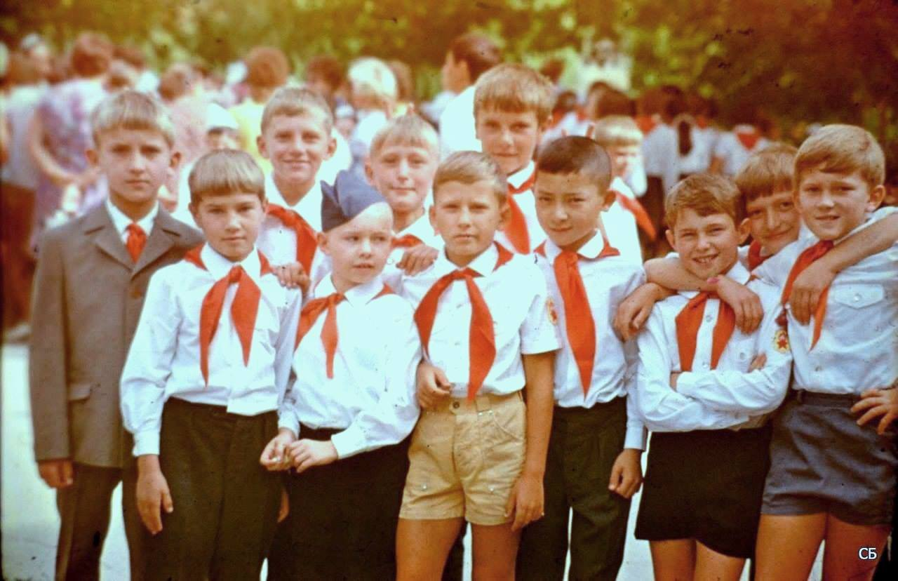 СССР воспитывал настоящих людей, а не потребителей!