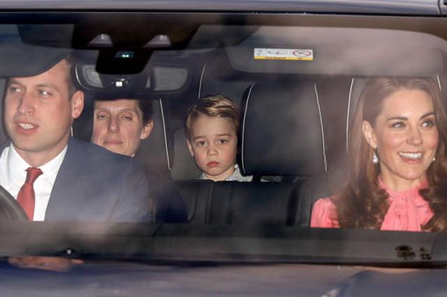 Кейт Миддлтон, принц Уильям, Меган Маркл и принц Гарри на рождественском обеде Елизаветы II