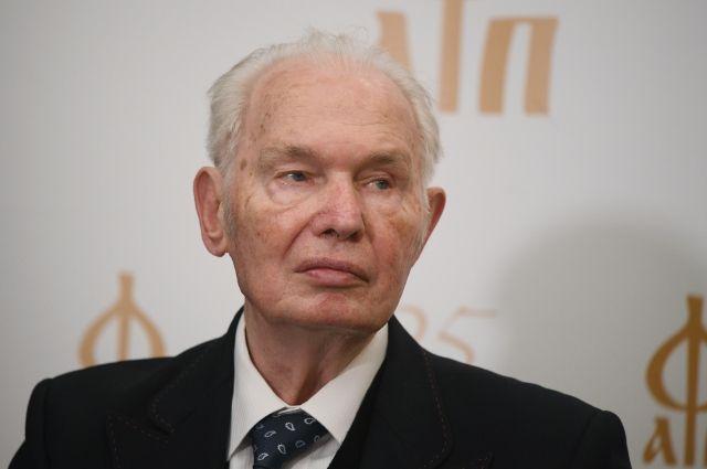 Ушел из жизни писатель Валерий Ганичев