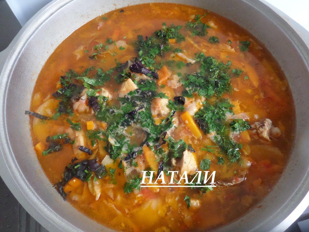 Супер вкусный соус из курицы с капустой и овощами